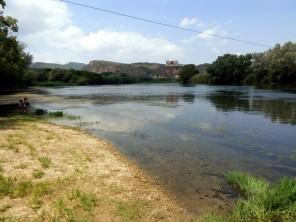 El río aguas arriba, en Miravet