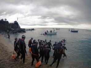 El agua estaba a 14ºC; ¡meterse en la barca después del primer chapuzón fue durillo!